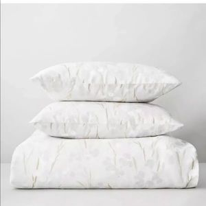 Calvin Klein Blanca Smoke Queen 3PC Duvet Set !